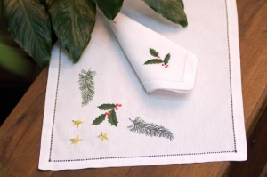 Hand Embroidered Placemat and Napkin Set, in   Christmas theme